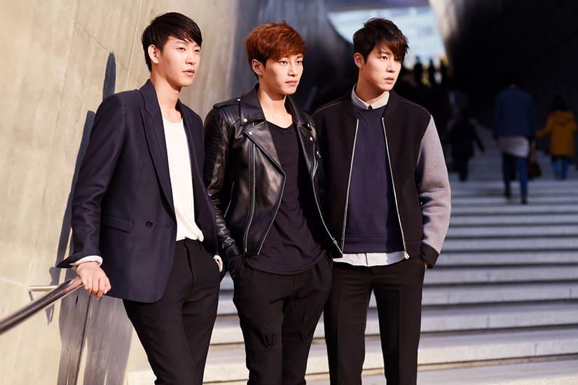 3 stijlvolle Zuid-Koreaanse jongens tijdens Seoul Fashion Week