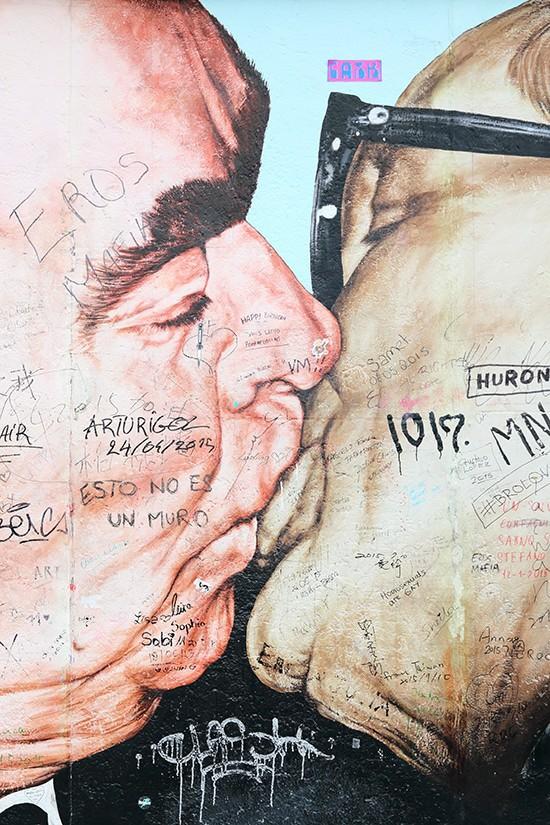 Berlijn - Leonid Brezhnev en Erich Honecker - East Side Gallery