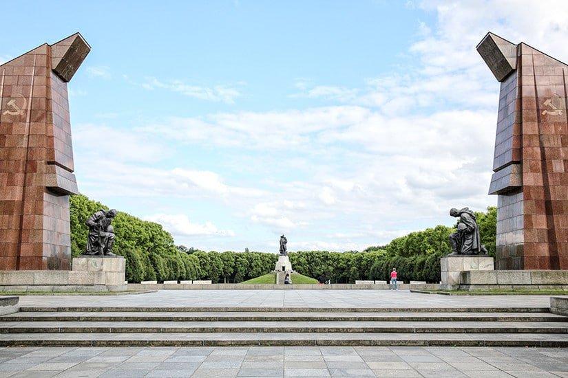 Sowjetisches Ehrenmal in Treptower Park te Berlijn