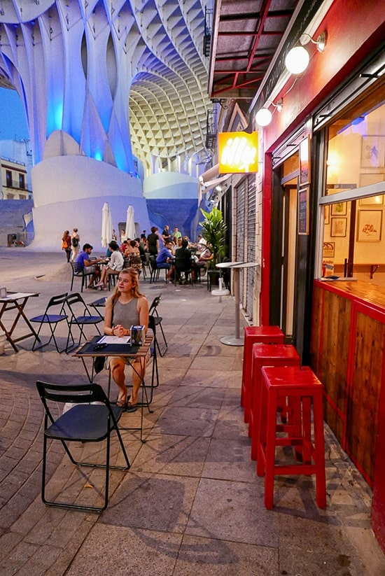 Citytrip Sevilla Bezienswaardigheden - Tapas onder de Setas de Sevilla - door AGMJ