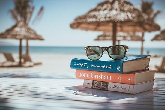 Handige checklist voor je vakantie - wat neem je mee op reis - via AGMJ - FI
