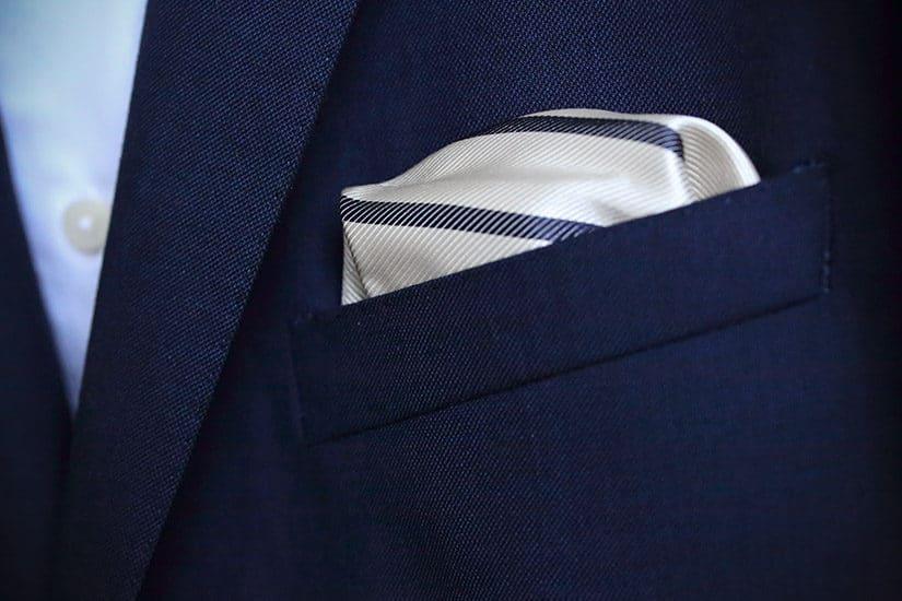 5 simpele en stijlvolle manieren om je pochet te vouwen - blog over herenmode - door Laurens M - via AGMJ - S