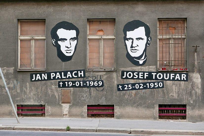 Jan Palach en Josef Toufar - Citytrip Praag bezienswaardigheden - Reistips van Laurens M - via AGMJ.be - 47