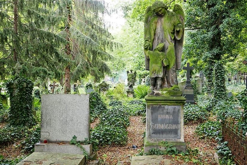 Olšany begraafplaats - Citytrip Praag bezienswaardigheden - Reistips van Laurens M - via AGMJ.be - 251