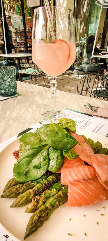 Gravad Lax salade - La Bottega - Hasselt - door Laurens M - via agmj.be-2